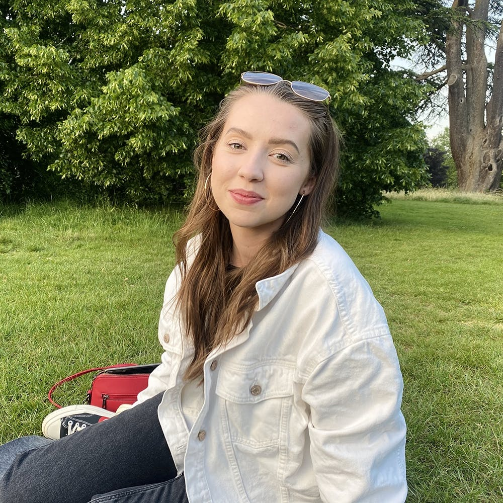 Jess Pratt | Profile Picture